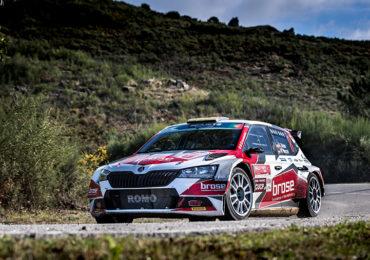 Dominik Dinkel zeigt als 8. der Rallye Fafe klaren Aufwärtstrend